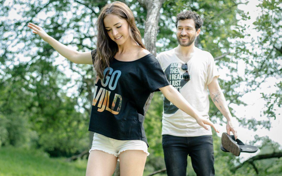 T-Shirt aus Holz schont die Umwelt