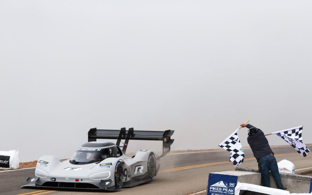 VW rast am Pikes Peak zum Weltrekord